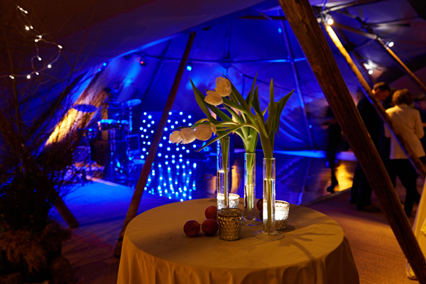 Dancefloor lighting in tipi with poseur table
